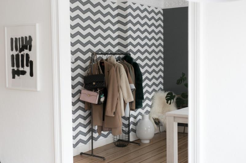 Mein Esszimmer im skandinavischen Stil mit meiner ZickZack Tapete