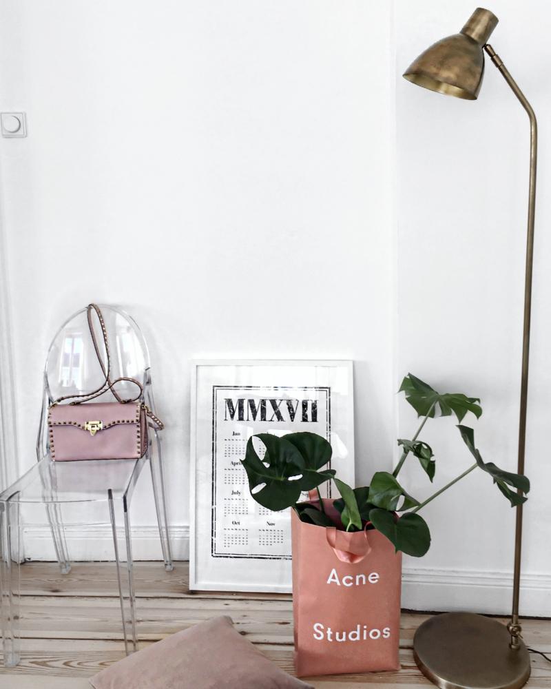 Dekoration - Stuhl, Pflanze, Bild, Lampe
