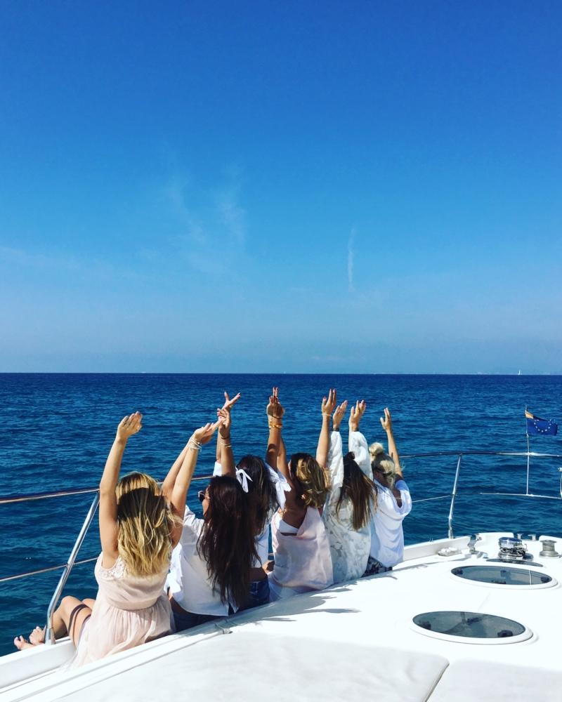 Mädels auf Boot