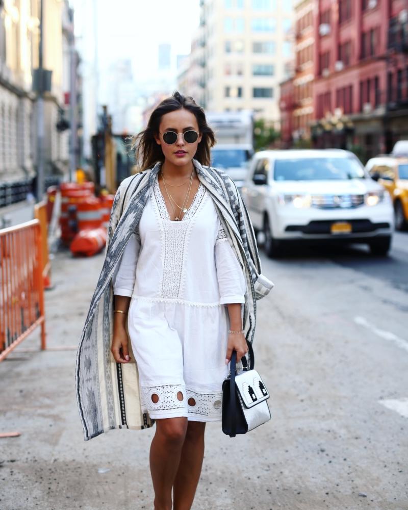 Streetstyle - Kleid, Tasche, Sonnenbrille